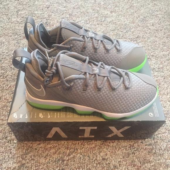 6692c866458 Nike LeBron XIV 14 Low Dunkman Shoes Men s 10 NWB